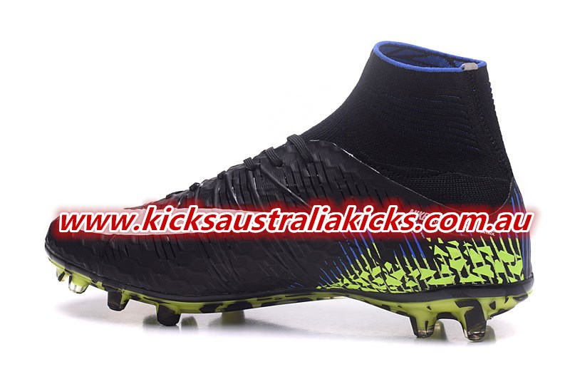 a74717175 Nike Hypervenom Phantom II - Features - Dynamic Fit collar with integrated  Flywire cables - 3D-textured upper with ACC technology