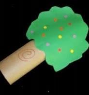 http://manualidadesparaninos.biz/como-hacer-un-pino-de-navidad-con-un-rollo-de-papel/
