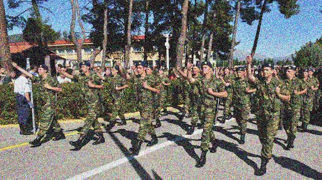 ΚΚΕ: Σκουλήκια στο συσσίτιο σε στρατόπεδο του Μεσολογγίου