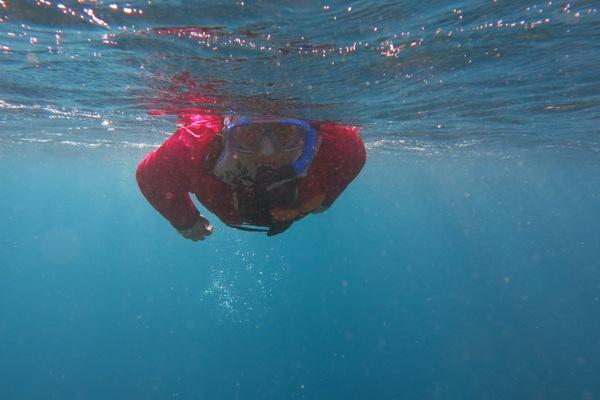 Snorkeling dengan gamis Syar'i
