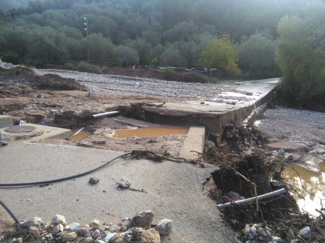 Ηγουμενίτσα: Καταστράφηκε η γέφυρα που ενώνει τη Λάκκα με την Πέστανη