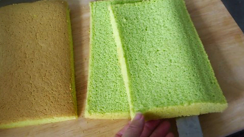3 incredibly soft pandan kaya cake layers