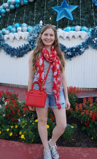 movie world white Christmas festive outfit summer humidity shorts and striped tank red accessories | awayfromblue