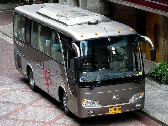 Новый серый автобус