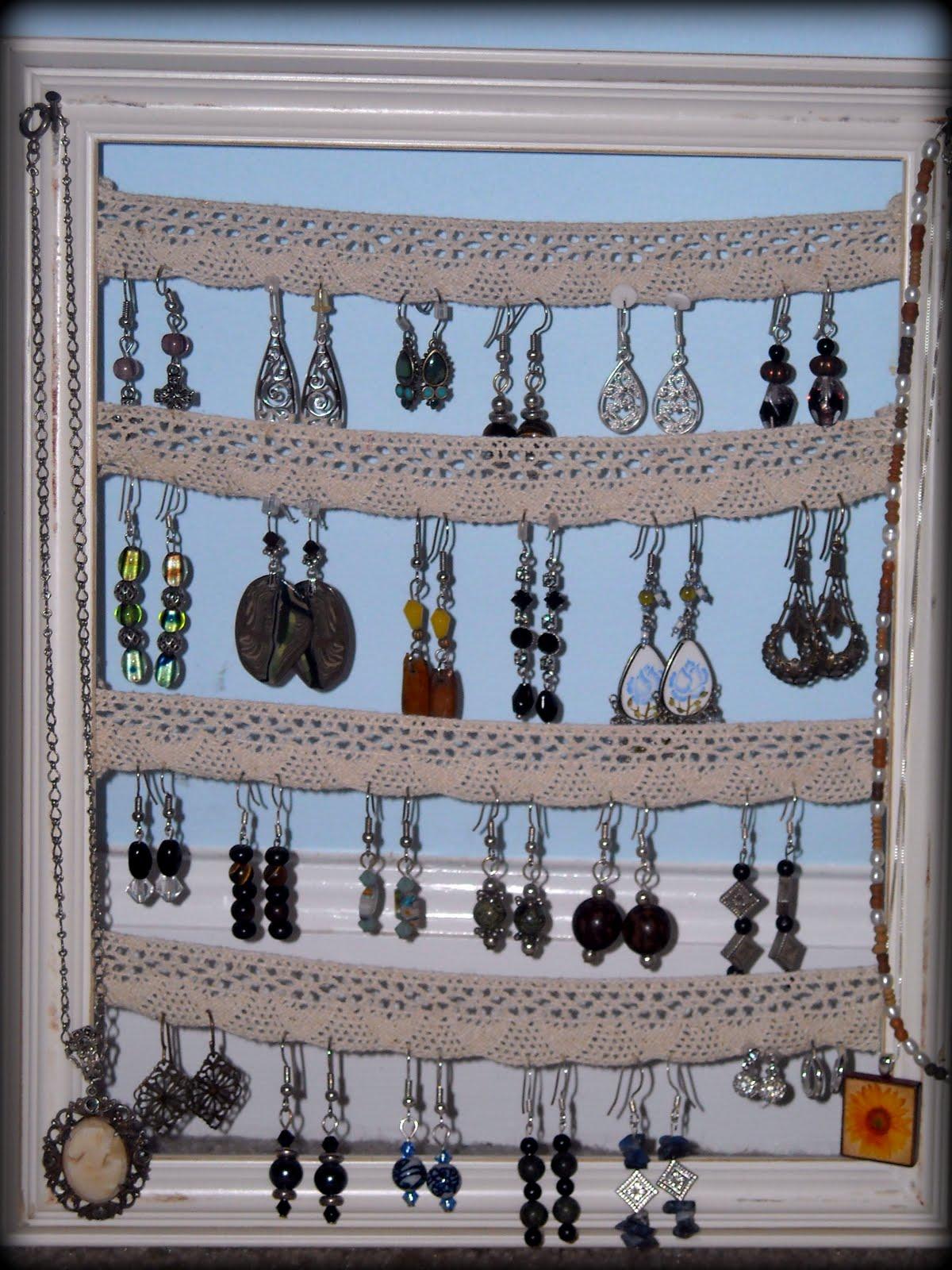 Dixie Farm Girl: DIY: earring holder