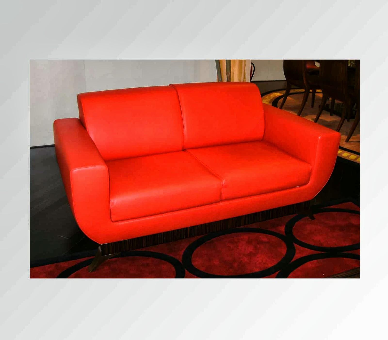 Oak Industria Arredamenti Red Love Seat Sofa ~ Used Luxury Furniture