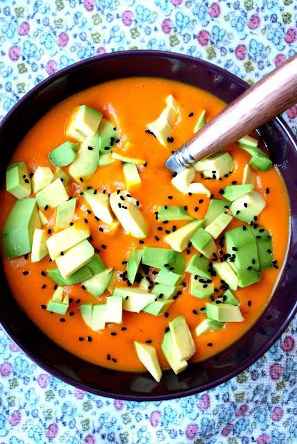 zupa z kapusty i pomidorów, zupa lecznicza, zupa odtruwające, zupa detoksykująca, zupa na detoks, zupa odchudzająca, witamina C,przeciwutleniacze,wydawnictwo buchmann,z kuchni do kuchni,katarzyna franiszyn luciano
