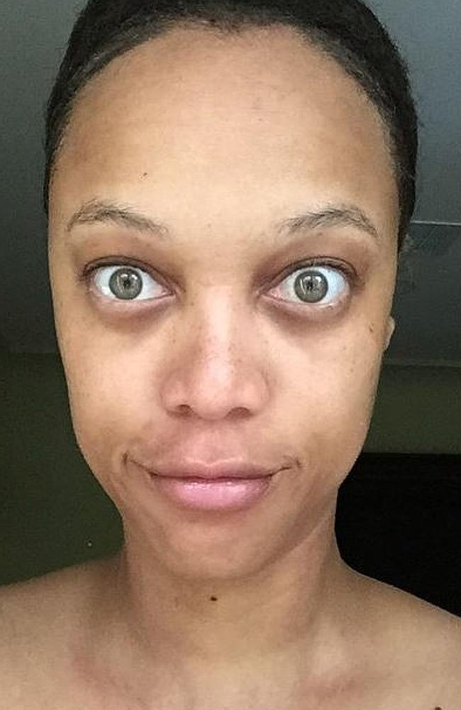 Instagram Tyra Banks NO MAKEUP SELFIES:  #RawAndReal