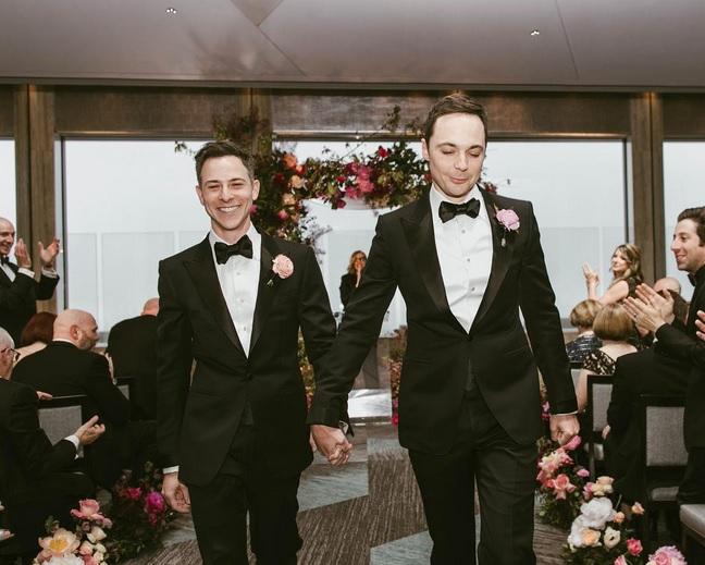 Jim Parsons se casa con Todd Spiewak