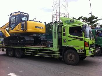 truk hino ranger selfloader surabaya