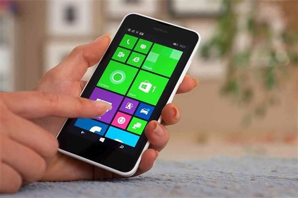 مميزات وعيوب ويندوز فون من واقع تجربتي Windows-phone-home%2B%2528600%2Bx%2B400%2529