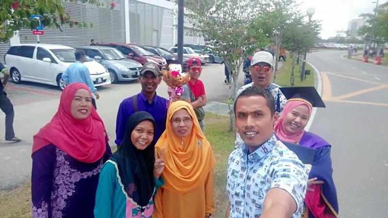 Ecek-ecek Wisuda di Universiti Tun Hussein Onn Malaysia