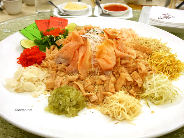Fortune Wealth Smoked Salmon Yee Sang