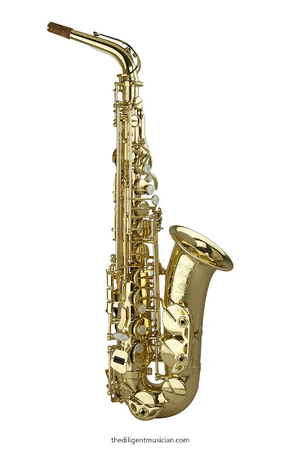 Front shot of the SeleS Axos alto saxophone