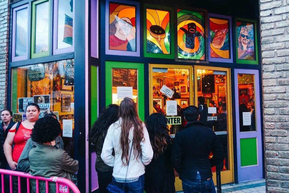 ブードゥー・ドーナツ 1号店(Voodoo Doughnut One)