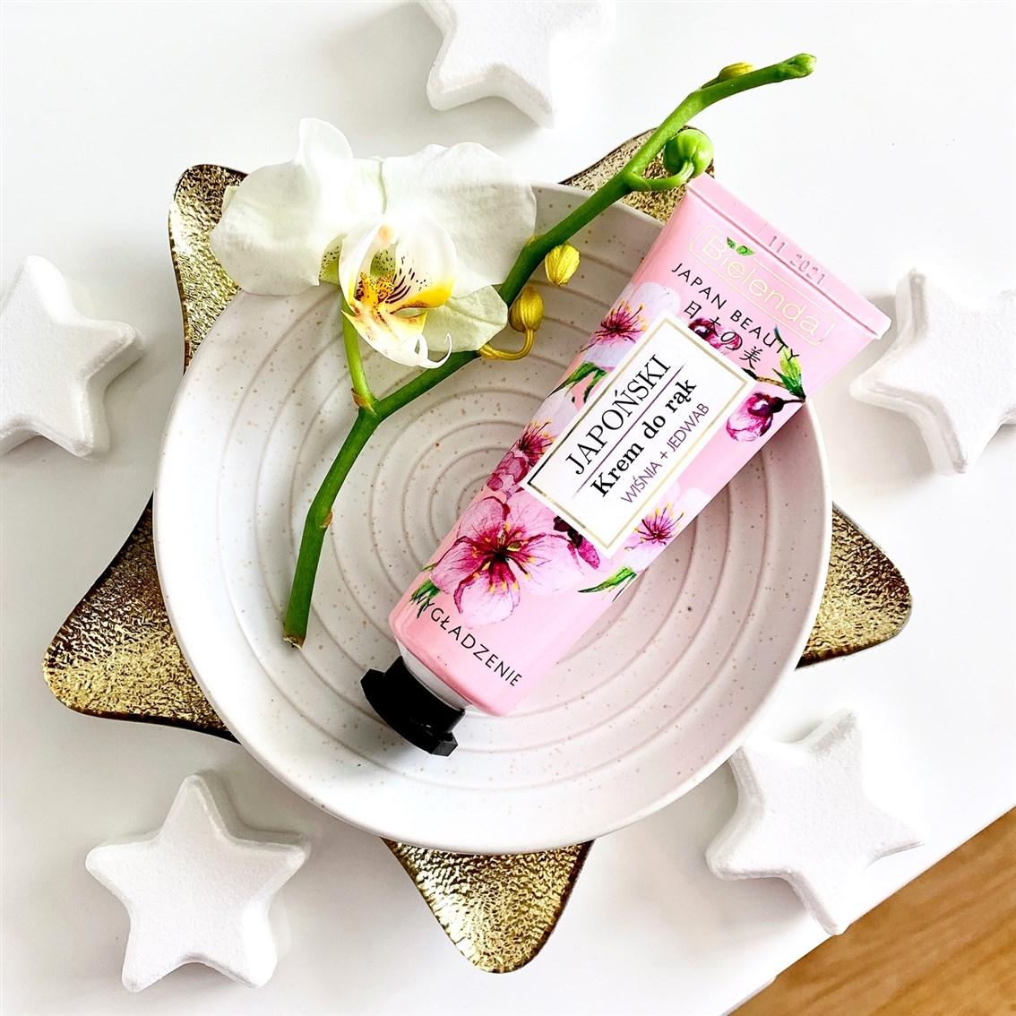 Bielenda Japan Beauty japoński krem do rąk, Wygładzenie wiśnia + jedwab