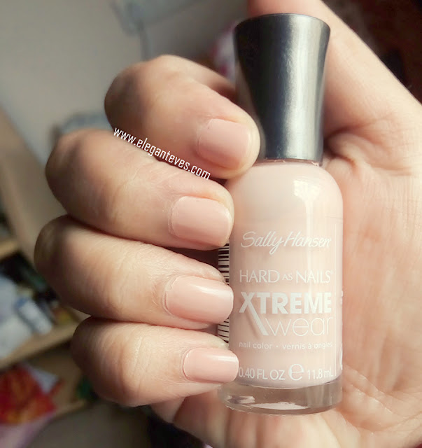 Review and swatch of Sally Hansen Hard As Nails Xtreme Wear105 Bare It All