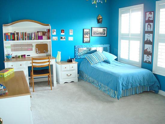 Decoracion actual de moda paredes color turquesa - De que color pintar una habitacion ...