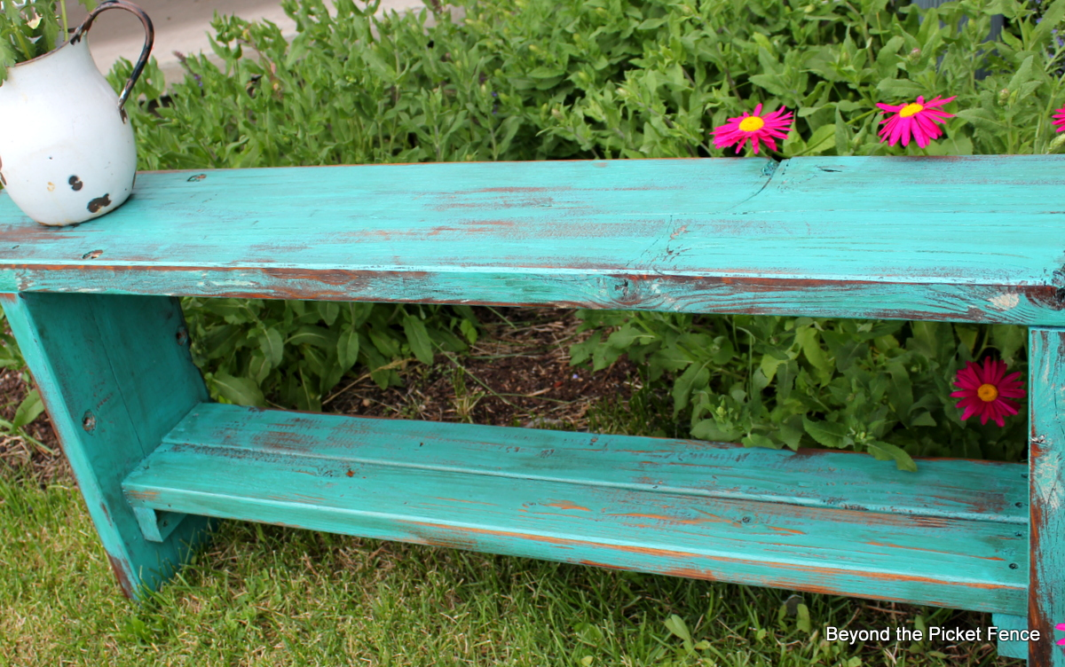 Fresh Beyond The Picket Fence: From Picnic Table to Bench VM31