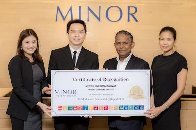 คุณเอ็มมานูเอล จู๊ด ดิลิปรัจ ราชากาเรีย ประธานเจ้าหน้าที่ฝ่ายปฏิบัติการ บมจ. ไมเนอร์ อินเตอร์เนชั่นแนล และประธานเจ้าหน้าที่บริหาร ไมเนอร์ โฮเทลส์ รับมอบเกียรติบัตร SDG-Enhanced Sustainability Report ปี 2559