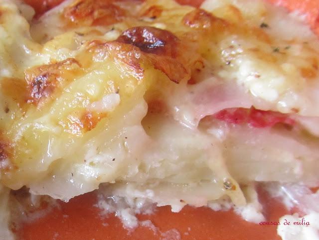 Patatas  con queso estilo suizo