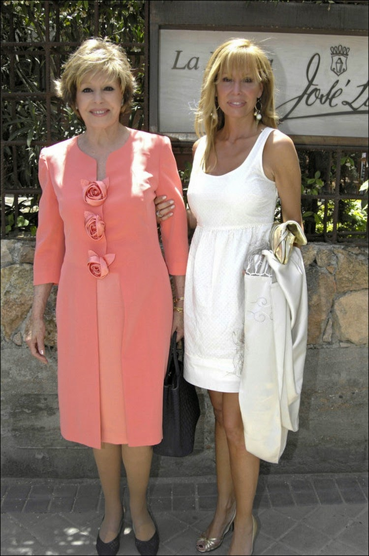Vestidos de famosas madres de comunion