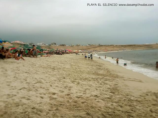 Day trip em Lima, Peru com crianças na praia el silencio. Beach trip with kids