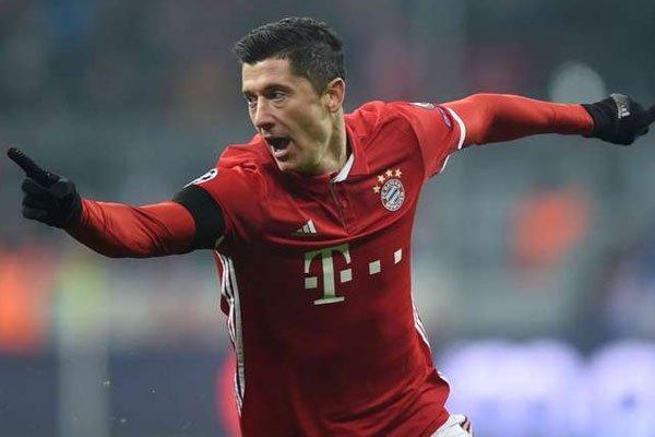 Bayern Munich Extend Robert Lewandowski's Contract To 2021