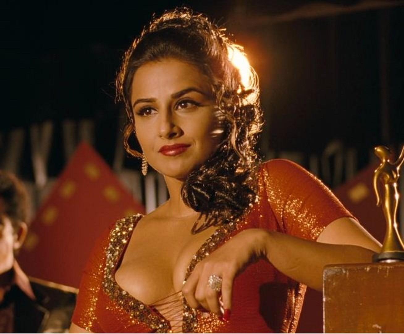 vidya balan bollywood hot actress pictures gallery - indian girls pic