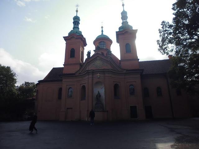 Iglesia de San Lorenzo (Praga) (@mibaulviajero)
