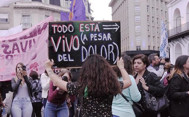 Argentina. Ni una menos. Justicia por Micaela y por todas! Asamblea abierta en Plaza de Mayo, a pesar del dolor. (Todas las Fotos)