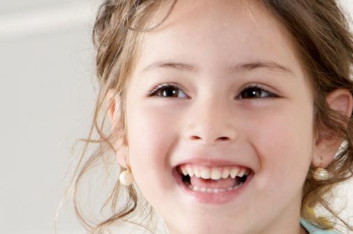 Cara Tepat Atasi Gigi Geripis Pada Anak