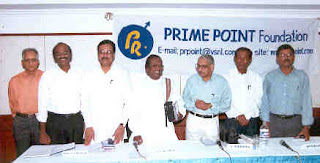 Panelists : From Left to Right - Mr T Kannan (Fomer Joint Director News, All India Radio and Doordarshan), Mr K. Srinivasan (Founder), Mr E V K S Elangovan (President, Tamilnadu Congress Party), Dr S P Kirubanidhi (President, Bharatiya Janata Party, Tamilnadu), Mr S Narendra, Mr J Jayaseelan (Chief News Editor, Raj TV), Mr R Bhagwan Singh (Senior Journalist)