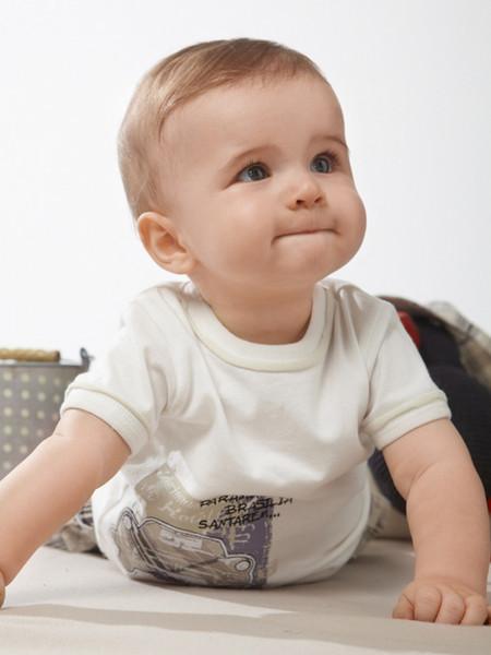 Nama Bayi Laki Laki Inggris