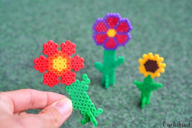 Blumen zum aufstellen aus bügelperlen