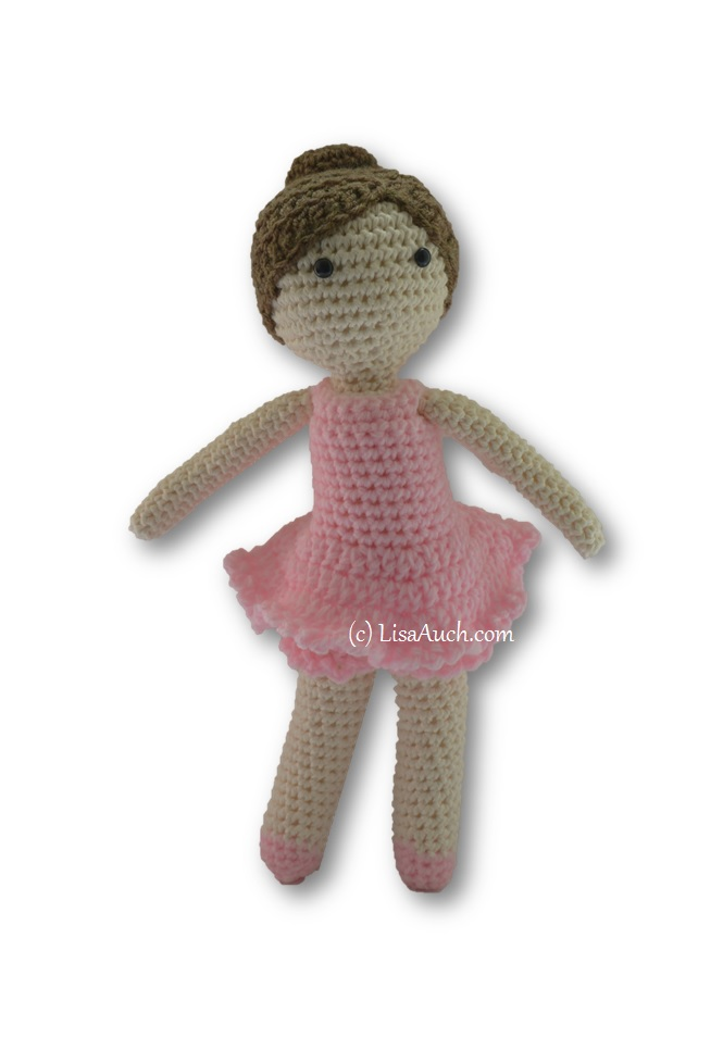 How to Attach Hair to a Crochet Doll - thefriendlyredfox.com | 966x665