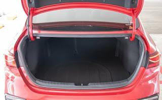 Cốp xe 502 lít của Kia CErato 2019