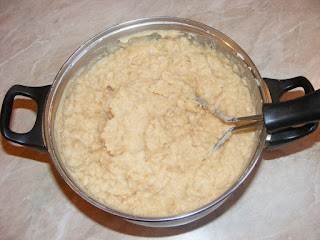 Preparare fasole batuta de usturoi retete culinare,