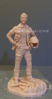statuetta scultura ritratto vigile del fuoco da colorare sculture orme magiche