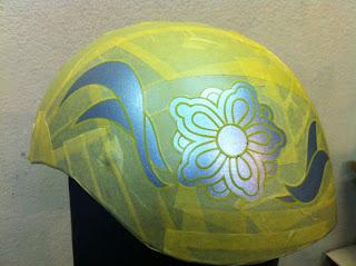 580845851 - カスタムペイント工程  ダックテールヘルメット 花柄
