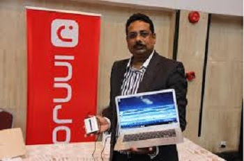 Mr. Rocque Rakesh, the InnJoo Country Manager displaying the slimmest laptop with pride