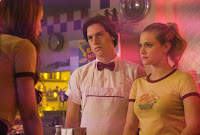 Riverdale Season 2 Lili Reinhart and Cole Sprouse Image 1 (18)