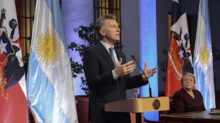 El presidente se reunió con su par Michelle Bachelet e instó a Nicolás Maduro a respetar los puntos de la Organización de los Estados Americanos (OEA).