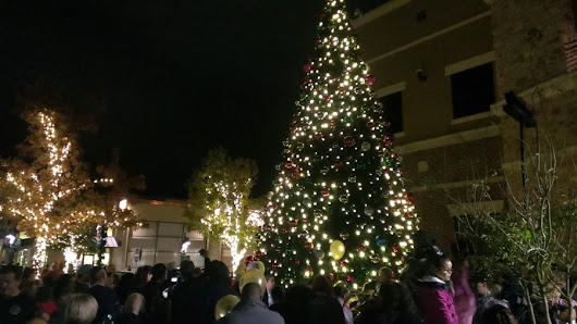 Christmas tree shows nightly at Hill Country Galleria