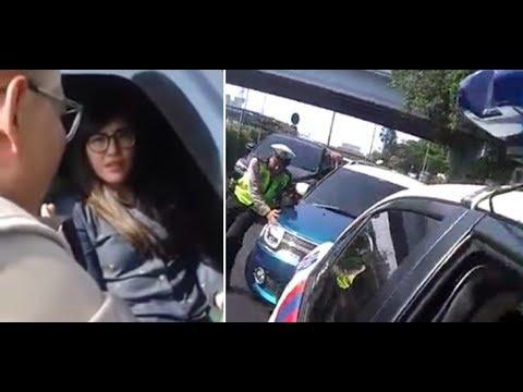 Begini Nasib Seorang Wanita Yang Sudah Menerobos Rombongan Presiden Jokowi