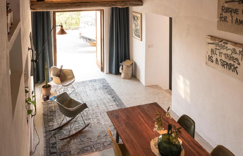 Ibiza una piccola casa vacanza all insegna del design - Arredamento casa mare piccola ...