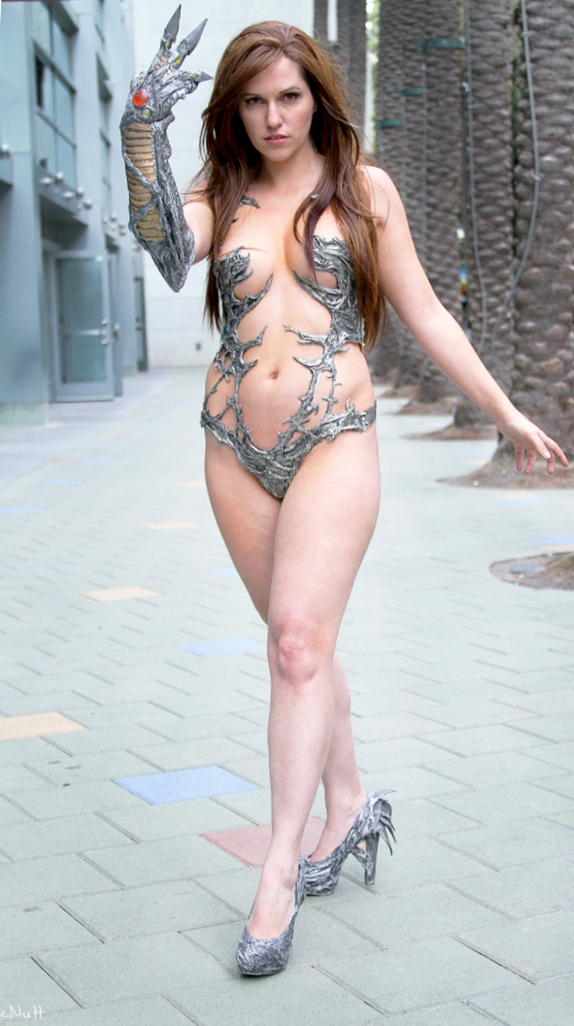Jacqueline Goehner Cosplaying as Sara Pezzini AKA Witchblade
