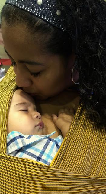 """Alt=""""Los bebés no se acostumbran a los brazos, los necesitan, Valeria Calderón"""""""