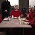 Veja a esquete legendada da paródia do Saturday Night Live de The Handmaid's Tale