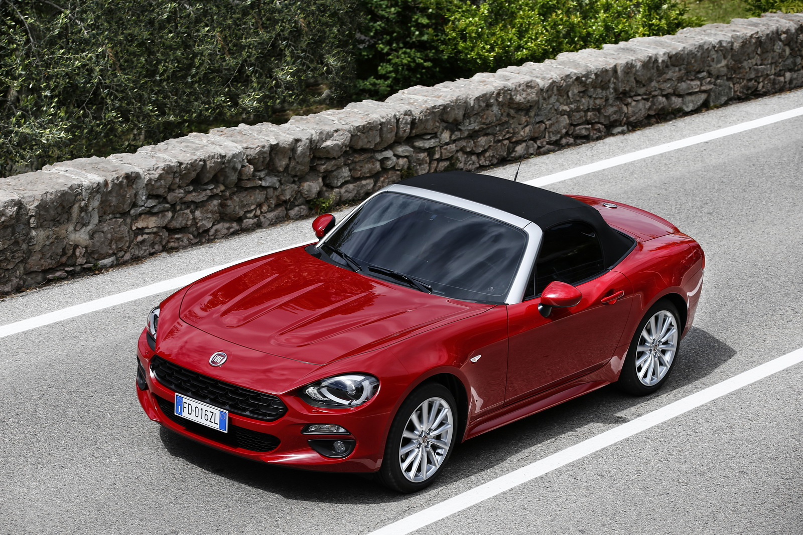 Watch together with 2018 Maserati Granturismo Debuts With Subtly Refreshed Face together with Fiat Barchetta 927 furthermore 46120 1974 Fiat 124 Spider 1800 Manual Convertible Dohc further Is The Fiat 124 And Alfa Romeo Spider  ing Back. on new fiat 124 spider convertible